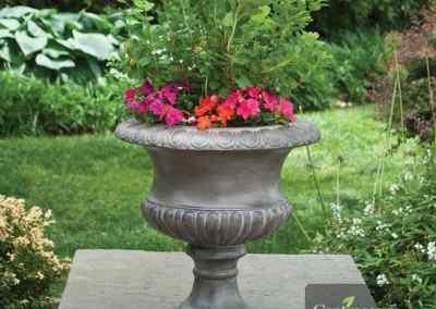 Centrascape - Pots - Short Classic Urn 3